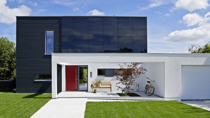 Immer mehr Fertighaus-Bauherren entscheiden sich für eine Hausautomation. Foto: BDF/WeberHaus
