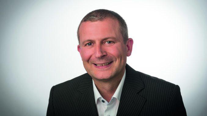 """Vier Mitarbeiter ergänzen künftig das """"eAccess"""" Vertriebs-Team bei Glutz Deutschland. Im Bild Udo Hallmann."""