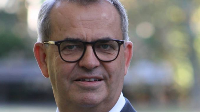 Dr. Boris Tasche, Vorstandsvorsitzender des Industrieverband Klebstoffe.