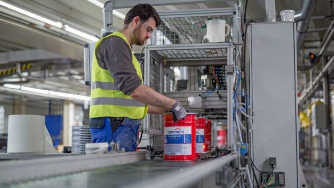 Remmers etabliert zweite Schicht in Produktion und Logistik .