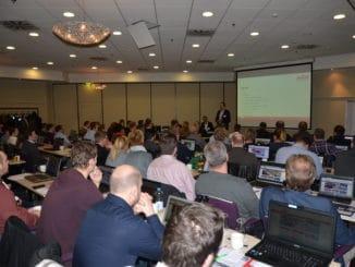 Christian Haltermann, Bereichsleitung Digitale Services bei Holzland, begrüßte die rund 60 Teilnehmer der dritten Anwenderschulung des zentralen HolzLand-Onlineshops in Dortmund.