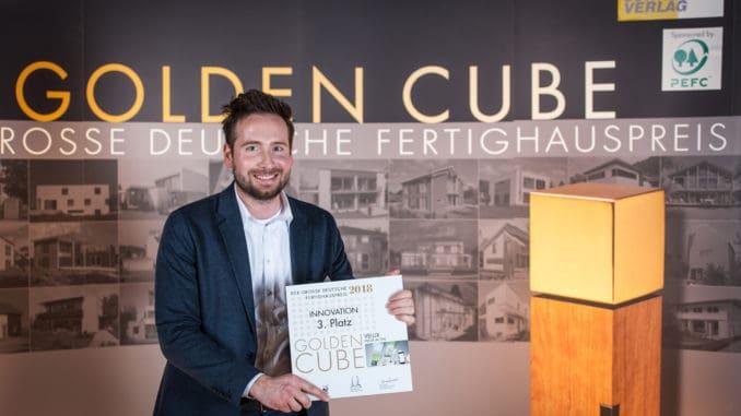 Freut sich über die Auszeichnung beim Golden Cube für Velux, Florian Balthasar, Verkaufsleiter Key Account Management bei der Velux Deutschland GmbH. Foto: Fachschriften Verlag