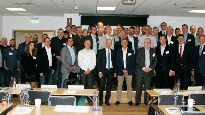 Die Jahreshauptversammlung des EPLF fand in diesem Jahr auf Einladung des Mitglieds Välinge Innovation Sweden AB im schwedischen Viken statt.