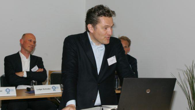 Der neue Verbandspräsident Paul De Cock kündigte in Viken unter anderem die Umzugspläne des EPLF nach Brüssel an.
