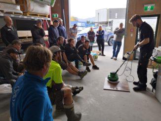 Durch praktische Anwendungen konnten sich die Teilnehmer der Weiterbildungs-Seminare über die Osmo-Produkte informieren.