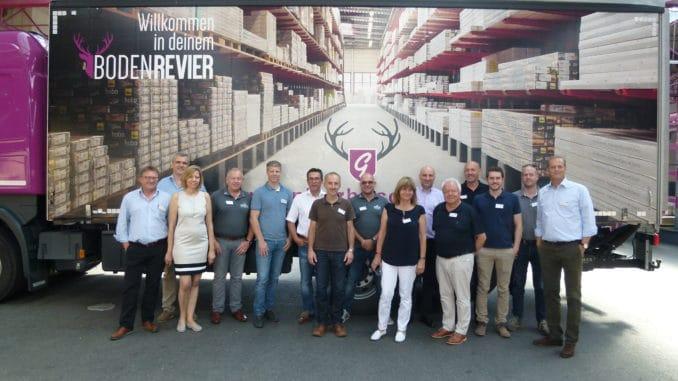 Holzspezialisten aus der Alpenrepublik trafen sich zu einer Sortimentstagung beim Eurobaustoff-Holzlogistiker Süd, dem Holzzentrum Gebhardt in Cham.