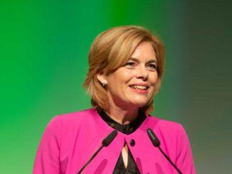 Julia Klöckner bei der Eröffnung der Galabau in Nürnberg.