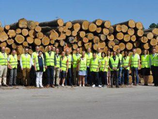 Graduiertenakademie Pro-Wood bei einem Studienbesuch im Kährs Werk in Nybro, Schweden.