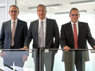 Die Geschäftsführung von Eurobaustoff freut sich über den guten Geschäftsverlauf. Im Bild v. l.: Hartmut Möller, Dr. Eckard Kern und Jörg Hoffmann.