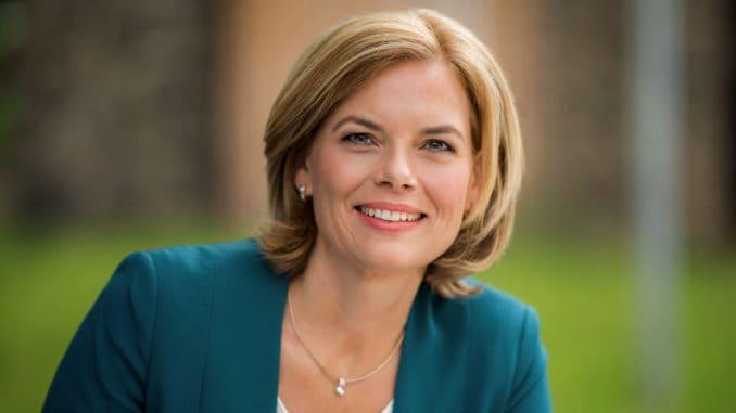 Bundesministerin Julia Klöckner eröffnet heute die Charta für Holz 2.0 in Berlin.