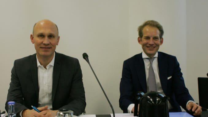 Die EPLF-Vorstände Eberhard Herrmann und Max von Tippelskirch bei der Jahrespressekonferenz anlässlich der Domotex in Hannover am 12. Janunar 2019 – Foto: EPLF