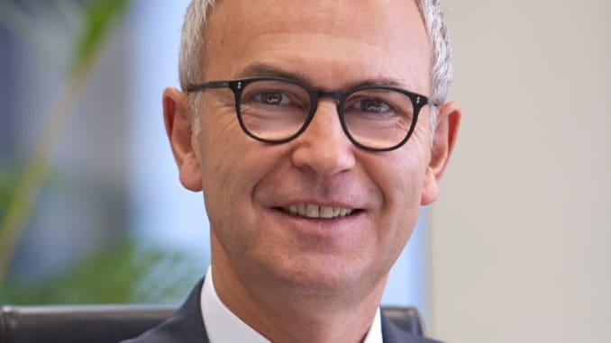 Hartmut Möller, Geschäftsführer der Eurobaustoff Österreich GmbH als auch der Muttergesellschaft, freut sich über die vollzogene Umfirmierung.