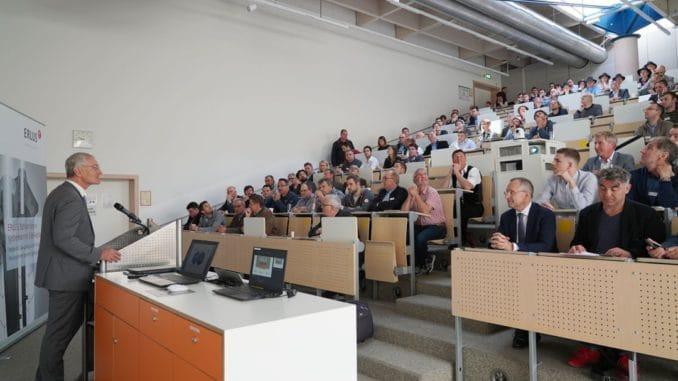 Das vierte Erlus Forum in Rosenheim brachte rund 200 Teilnehmer aus der Baubranche zusammen.