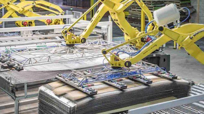 Danzer schließt sein erst 2017 modernisiertes Werk in Souvans. Im Bild ein Teil der automatisierten Produktion im Werk. [Bild: Danzer]